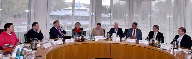 Gemeinsamer Kraftakt: Arbeitslosigkeit in Dortmund halbiert – Ziele: steigende Mindestlöhne und sozialer Arbeitsmarkt