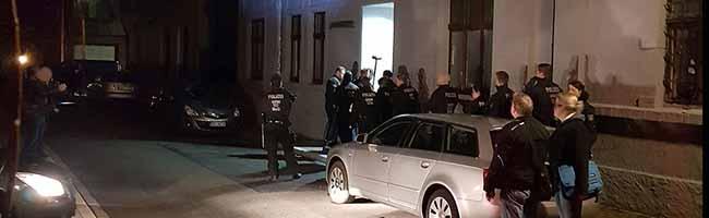 Polizei Dortmund vollstreckt Haftbefehl gegen Neonazi nach Einschüchterungen und wiederholten Straftaten in Marten