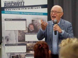 Bert Woudstra berichtete unter anderem imPolizeipräsidium, und imKäthe-Kollwitz- Gymnasium von seinen Erfahrungen.