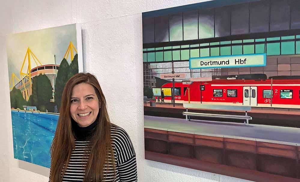 """Die chilenische Künstlerin Ana Maria Avilés Toro stellt bis zum 8. Dezember ihre Arbeiten im """"Kunstbetrieb"""" an der Gneisenaustraße 30 vor. Foto: Joachim vom Brocke"""