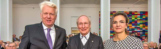 Ein erfülltes Leben für die Architektur: Professor Eckhard Gerber mit Ehrennadel der Stadt Dortmund ausgezeichnet