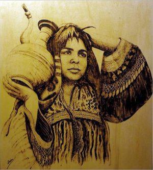 Pyrografie von Amir Khairandish, in kleinteiliger Handarbeit mit einem Lötkolben in eine Holzplatte gebrannt