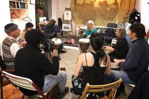 Trommelworkshop mit AladjiTouré