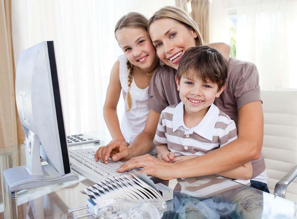 Vielen Müttern fehlt es an Selbstbewusstsein und sie zweifeln an sich selbst. Dabei sind ihre Qualitäten auf dem Arbeitsmarkt sehr gefragt. Aufklärung verschafft die Arbeitsagentur Dortmund. Foto: Arbeitsagentur