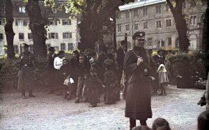 Für die einen Arier waren die anderen Untermenschen. Deportation von Sinti und Roma, Hohenasperg, Mai 1940. Quelle: Wiki