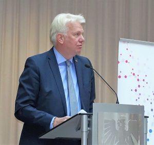 Ullrich Sierau: damals verließen die Studierenden nach ihrem Abschluss die Stadt.
