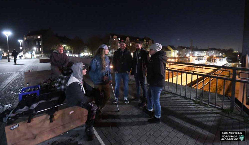 Die SozialarbeiterInnen suchen die Jugendlichen in Hörde auf. Fotos: Alex Völkel