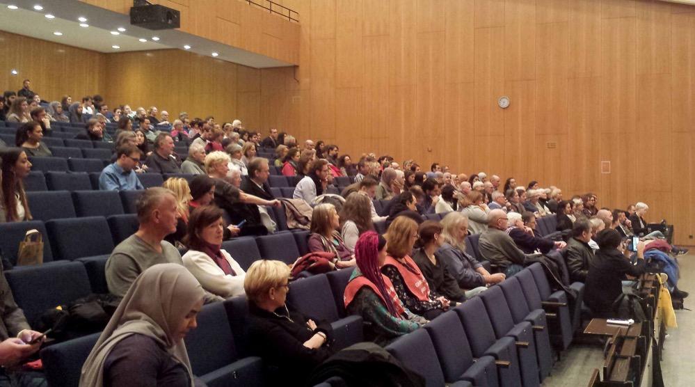 Gut besucht war auch der dritte Teil der Diskussionsveranstaltung in der Fachhochschule Dortmund. Fotos: Claus Stille