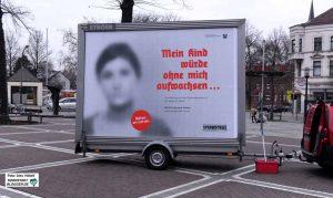 In Dorstfeld wurden keine Plakate geklebt - sie wurden nicht nur sprichwörtlich herangekarrt.