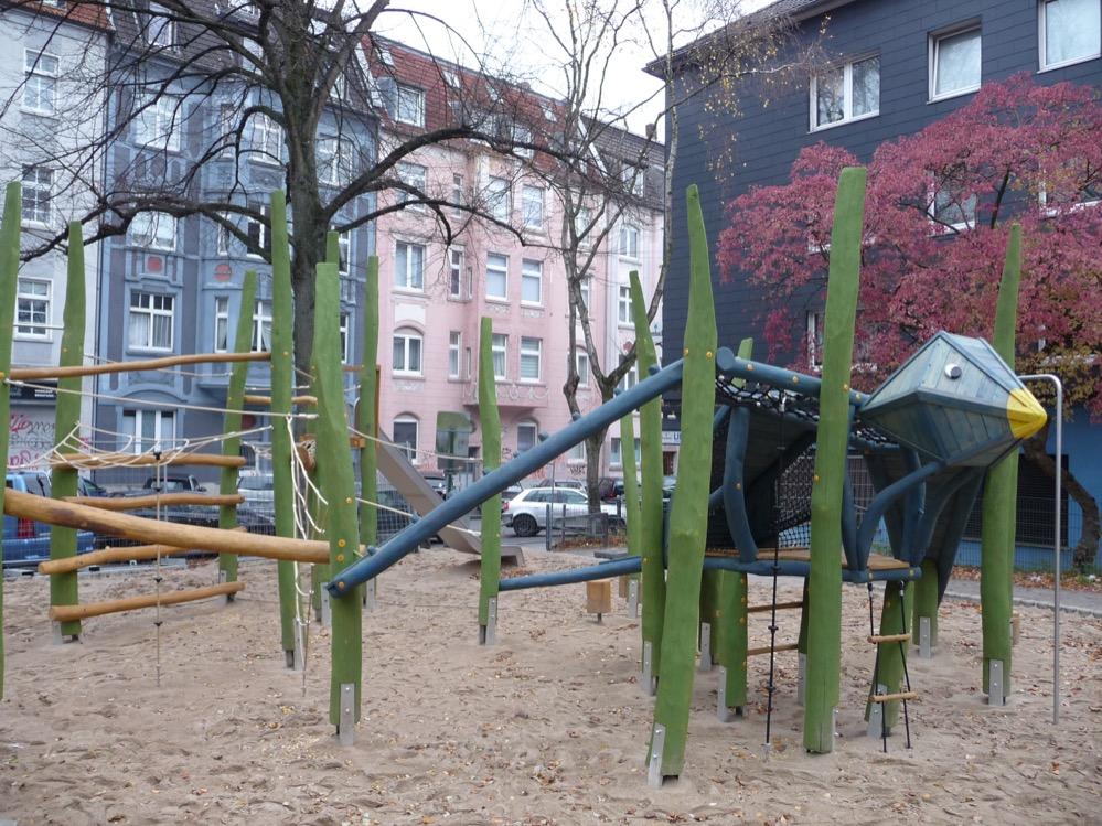 Der Spielplatz an der Adlerstraße/Ecke Siegfriedstraße lädt wieder zum Spielen ein. Fotos: Stadt Dortmund