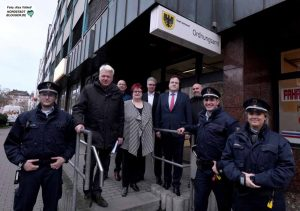 Zum Jahresabschluss besuchten OB Ullrich Sierau und Dezernent Norbert Dahmen den Kommunalen Ordnungsdienst und die Task Force Nordstadt.