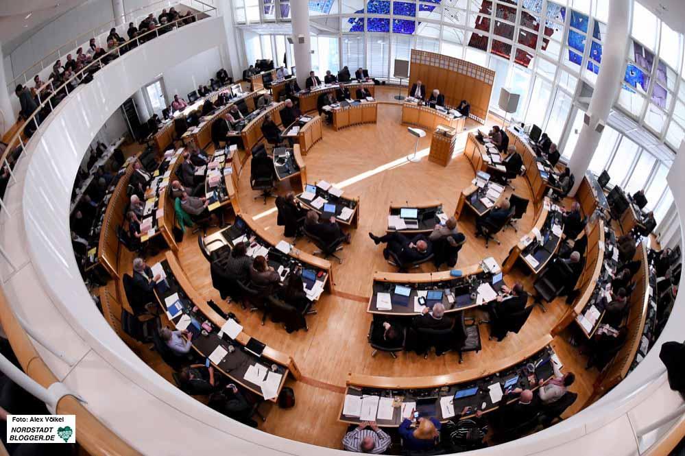 Die Debatte im Ratssaal stieß auf reges Interesse. Fotos: Alexander Völkel