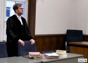 Staatsanwalt Köster sah klagte Volksverhetzungen und die Verharmlosung von Straftaten an.