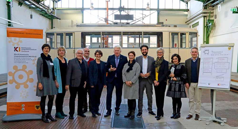 OB Ullrich Sierau begrüßte die Gäste zur Premierenfeier. Foto: Gaye-Suse Kromer