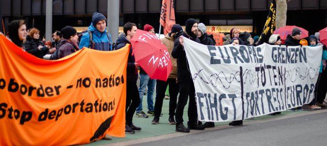 """""""Stoppt das Sterben im Mittelmeer"""": 300 Menschen unterstützten in Dortmund die Aktion #Seebrücke"""