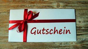 Gutscheine sind eine beliebte Geschenkalternative, doch es gilt einiges zu beachten. Foto: VZ NRW