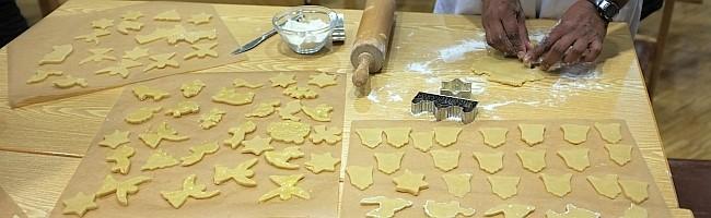 Kulinarische Weltreise der Lydiagemeinde machte einen erfolgreichen Halt in der deutschen Weihnachtsbäckerei