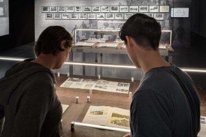 Ein Blick in die Ausstellung. Foto: Hannes Woidich