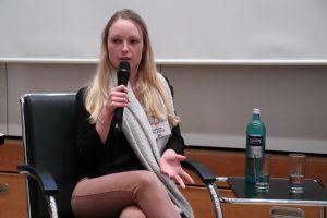 Cristina Helberg, Faktencheckerin und Reporterin von Correctiv