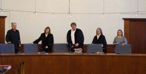 Das Schöffengericht unter Vorsitz von Richter Peter Windgätter. Foto: Sascha Fijneman