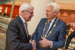 BVB-Präsident Reinhard Rauball im Gespräch mit OB Ullrich Sierau.