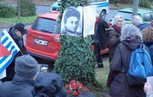 Mit einem Mahngang von der Karl-Liebknecht- zur Rosa-Luxemburg-Straße erinnerten DortmunderInnen an die Ermordung der beiden PolitikerInnen vor 100 Jahren.