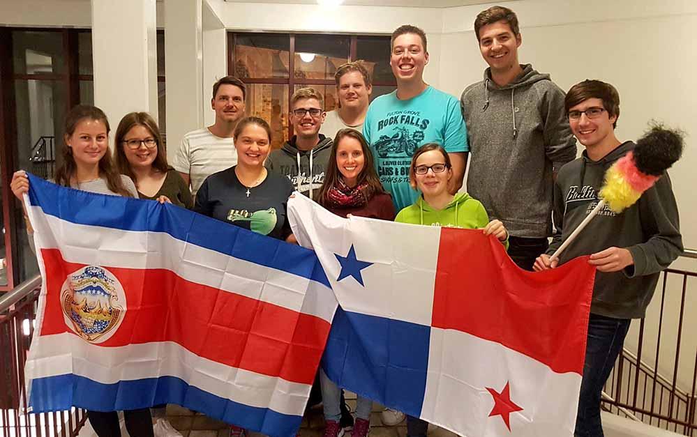 """Auf nach Panama und Costa Rica: Junge Erwachsene aus Dortmund reisen mit der """"jungen kirche dortmund"""" zum Weltjugendtag.Foto: Martin Blume"""