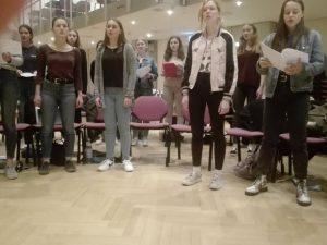 Mit Freude dabei: Die Sängerinnen des Mädchenchores der Chorakademie Dortmund.