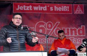 IGM-Bezirksleiter und Verhandlungsführer Knut Giesler
