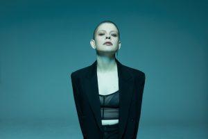Erstmals gibt es bei Klangvokal ein Popkonzert im FZW. Zu Gast ist am 6. Juni die niederländische Sängerin Kovacs.