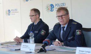 Ralf Ziegler (r.) ist Leiter der Direktion Verkehr der Polizei Dortmund. Fotos (2): S. Fijneman