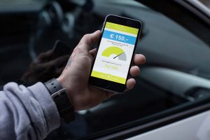 Immer mehr KundInnen wenden sich elektronisch - zum Beispiel via Rechnung-App - an ihre Versicherung.