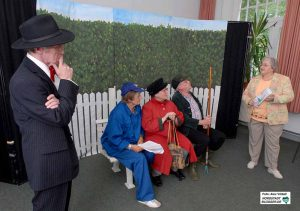 Auch Theaterprojekte und Theatergruppen für SeniorInnen hatte ZWAR initiiert - hier ein Bild aus dem Jahr 2006. Foto: Alex Völkel
