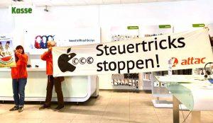 Das globalisierungskritische Netzwerk Attac macht auf Missstände aufmerksam - hier eine Aktion gegen Steuerspartricks von Apple.