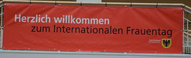 """""""Weil ich ein Mädchen bin"""": Dortmund feiert Internationalen Frauentag 2019 im Rathaus und würdigt Einsatz von Frauen"""