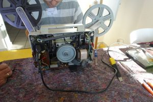 Ein defekter Filmprojektor im Repaircafe Dorstfeld. Foto: A. Steger