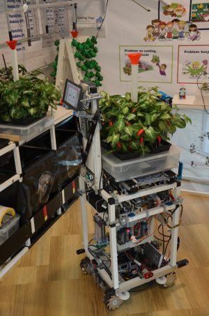 Einer der von Kindern und Jugendlichen etnwickelten Robotern