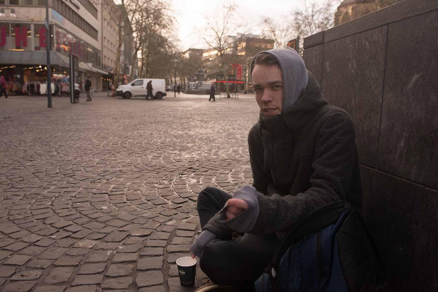Reporter Paul Klinzing hat sich für uns 24 Stunden als Obdachloser ausgegeben