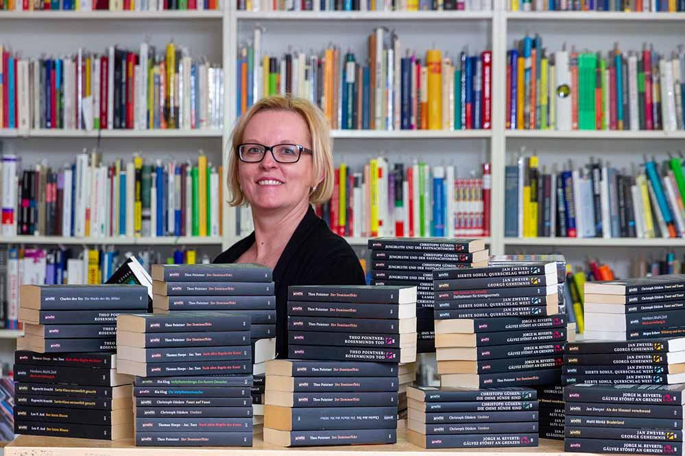Suzanne Präkelt, Leiterin des bodo-Buchladens. Foto: Sebastian Sellhorst/ bodo