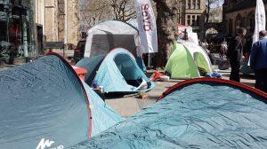 ... stark vertreten: Zelte!