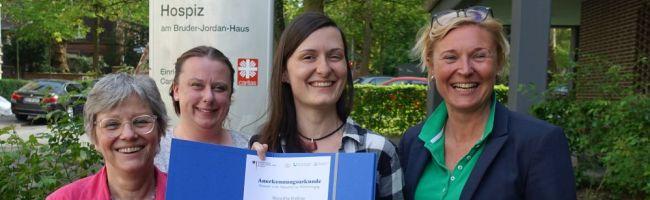 Junges Engagement in der Sterbebegleitung: Auszeichnung für Roswitha Kreßner von der Caritas Dortmund in Berlin