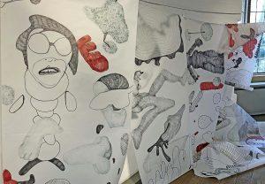 """Torhaus-02: """"Meine Arbeiten sind Denk- und Emotionsräume"""" sagt die Künstlerin zu ihrem Werk."""