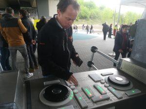 Joeren Reinderink am DJ-Pult der Yalp