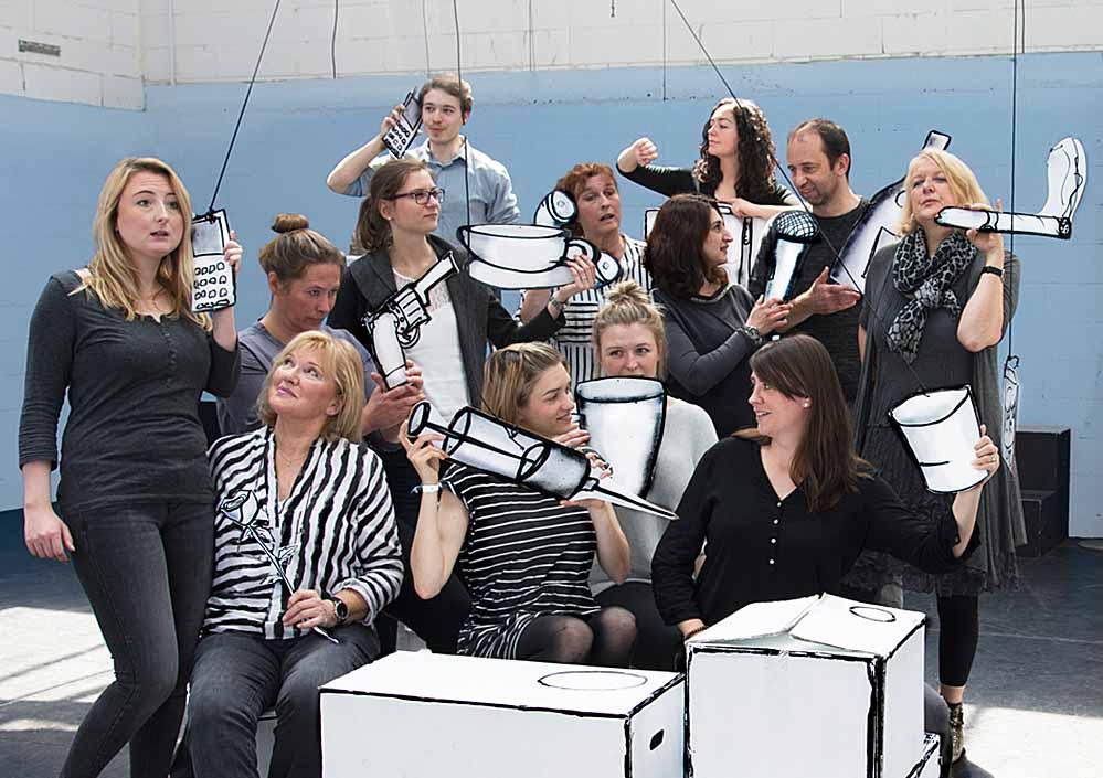 """Die Theaterwerkstatt am Theater im Depot präsentiert das neue Stück mit dem Titel """"13 Personen wollen spielen""""."""