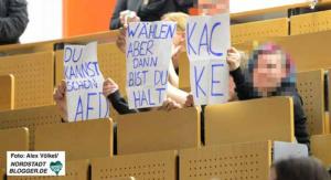 Lautstarker und kreativer Protest schlug den AfD-Vertretern an der TU Dortmund entgegen. Foto: Alex Völkel