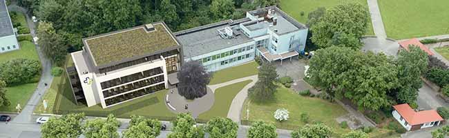 Der Kran macht es weithin sichtbar: Die Bauarbeiten für den Canisius Campus am Hoeschpark haben begonnen