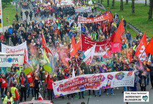 Die Demonstration zum Tag der Arbeit des DGB 2019 führt vom Platz der Alten Synagoge zum Westfalenpark. Fotos: Klaus Hartmann