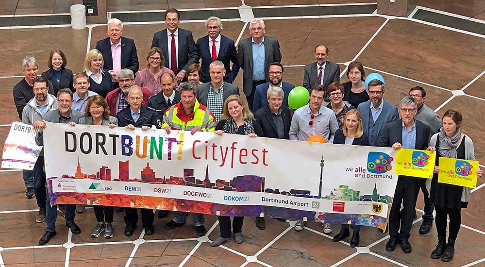 Sponsoren, Organisatoren und Macher des Cityfestes Dortbunt!, das am 11. und 12. Mai stattfindet. Fotos: Joachim vom Brocke