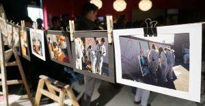 Die Jugendlichen präsentieren ihre Arbeit in der dobeq-Kulturwerkstatt. Fotos: Marian Thöne