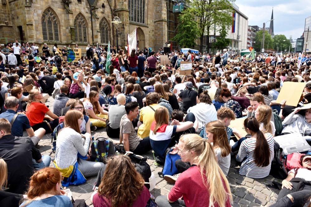 Nach Veranstalterangaben kamen rund 6000 TeilnehmerInnen zum Klimastreik. Foto: Wolf-Dieter Blank